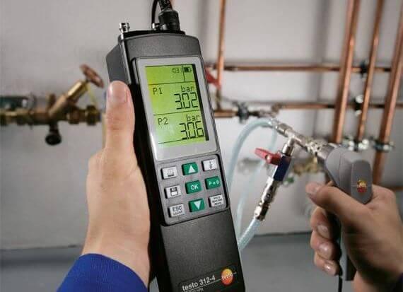 Kiểm tra áp suất trong các đường ống nước với Testo 312-4